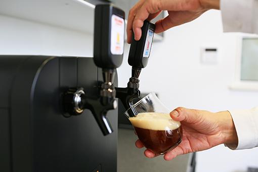 タップの使い方・ビール注ぎ方